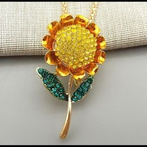 🌻 Betsey Johnson sunflower necklace 🌻